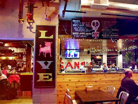 onmilwaukee bars clubs best milwaukee bar in a