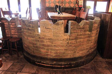 tavolo medievale gallery ristorante pub la leggenda di avalon roma