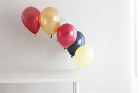 Ballon Top table top balloon arch birthdays balloon time helium tank