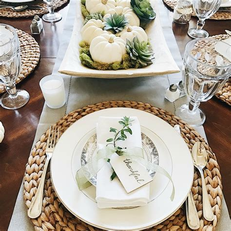 simple table settings 16 beautifully simple thanksgiving table setting ideas