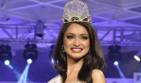 india winner 2013 anukriti to flaunt agarvwal s designs at miss asia pacific