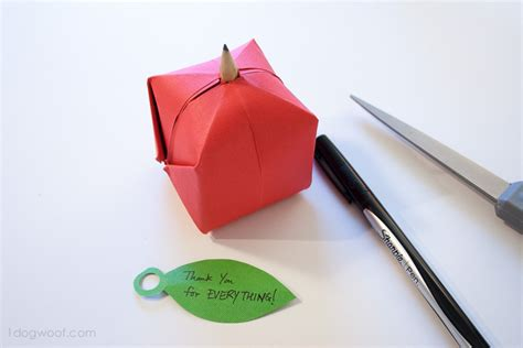 Apple Origami - origami apple favor