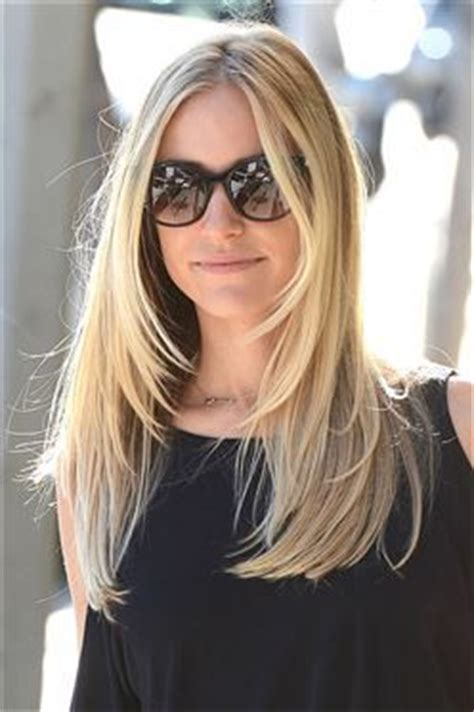 layered hairstyles that give lift to front and top of head 25 best ideas about face framing layers on pinterest
