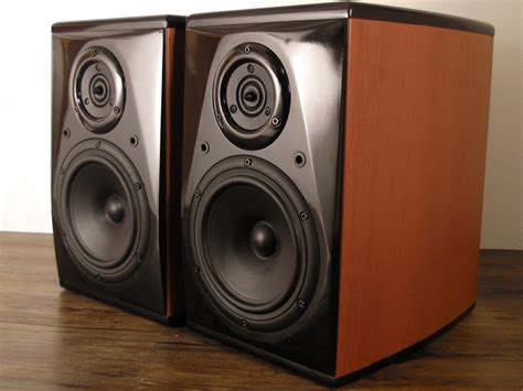siesta lab virtuoso series vs1 hi end bookshelf speaker