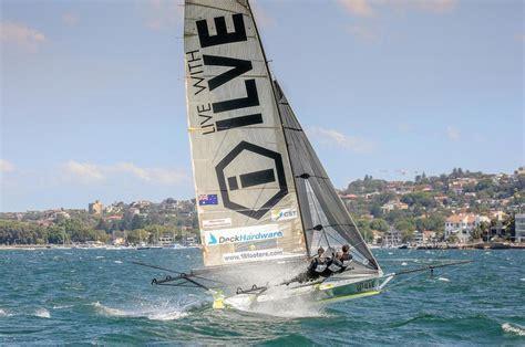 skiff newcastle 18ft skiffs asko splits the atom in nsw state titles video