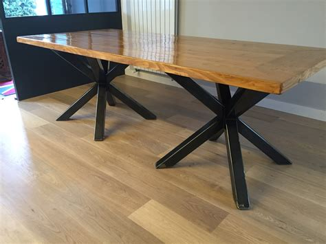 table des type table a manger style industriel