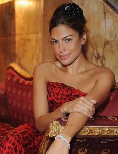 girls   world  night film actress  model eva