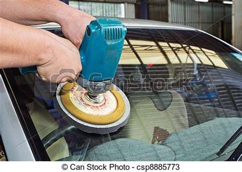 Polieren Mit Maschine by Stock Fotos Von Polieren Auto Glas Auto Glas