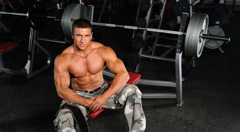 bench press tips 8 tips for a better stronger bench press muscle fitness