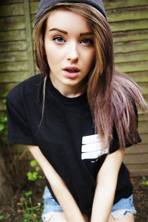 pretty hipster girls tumblr girl fashion beautiful follow back indie beanie grunge f4f