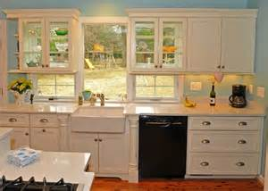 kitchen countertops and cabinet combinations 3 countertop and cabinet combinations for estate kitchens