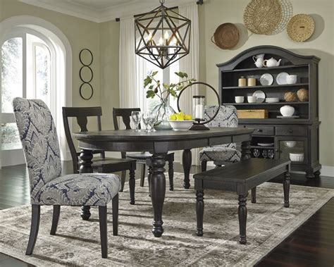 sharlowe dining room table 25 best ideas about oval dining tables on