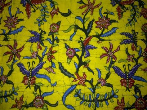 Batik Tulis Bakaran Hijau Pupus Motif Kupu produk cv batik indonesia