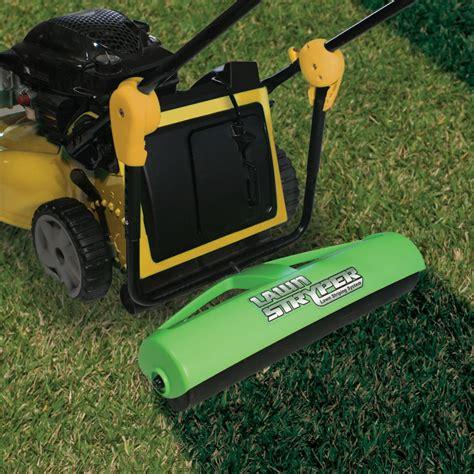 grass pattern roller the groundskeeper s lawn roller hammacher schlemmer