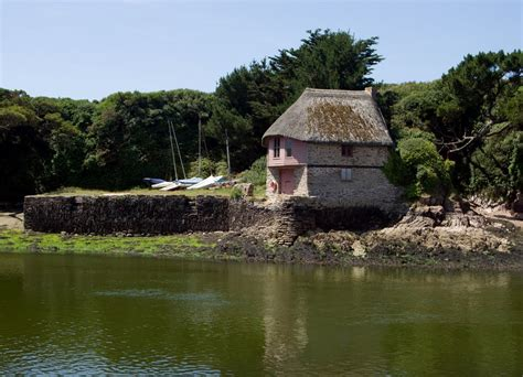 devon boat house panoramio photo of boathouse on river avon bantham devon