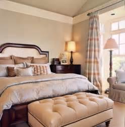 crown molding bedroom