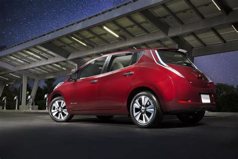 range of nissan leaf 2015 2016 nissan leaf 107 epa range specs pricing
