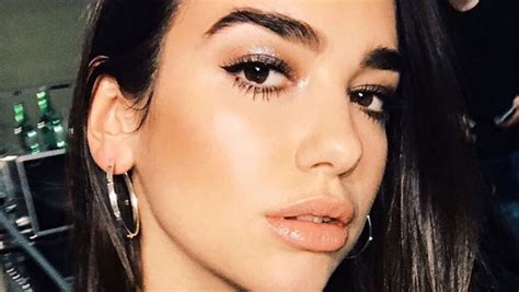 dua lipa lips lotd here s how dua lipa makes her lips look more plump