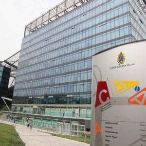 ufficio oggetti smarriti roma termini bologna restituiti quasi 200 oggetti smarriti in un mese