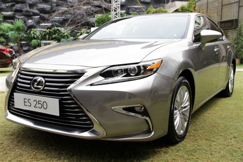 lexus malaysia lexus malaysia launches facelifted es priced from rm260k