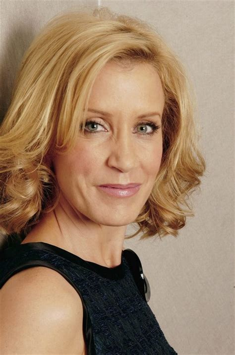 hair styles for the older woman with shoulder length hair felicity huffman layered thick medium hairstyle for