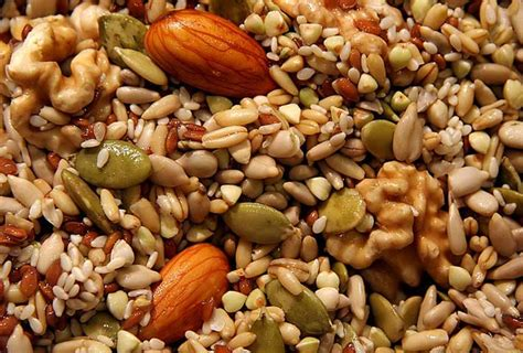 alimenti ricchi di tirosina alimenti favoriscono la produzione di dopamina
