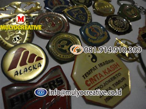 Peniti Kuningan Nama Peniti Nama Kuningan Costum pin bros pin lencana pin coating pin kuningan pesan