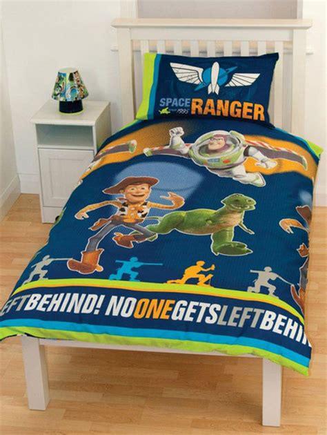 Housse De Couette Toys Story by Parure Housse De Couette 135 X 200 Taie Story Ranger