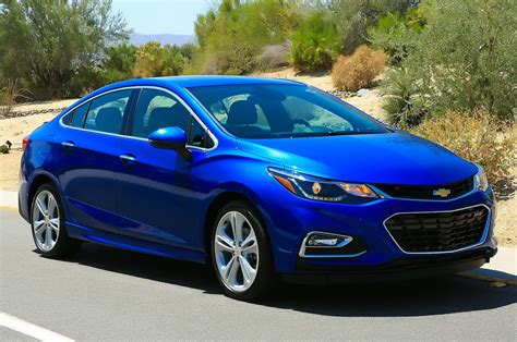 chevy cruze 2016 chevrolet cruze interior review taking a closer look