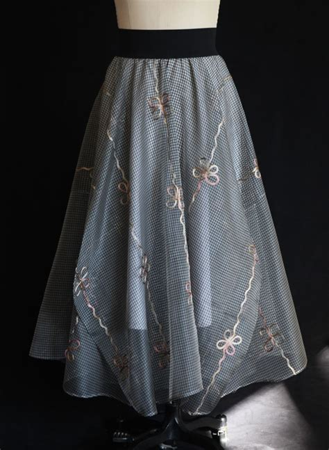 linen table skirts 1000 images about skirt patterns on beautiful the o jays and tablecloths