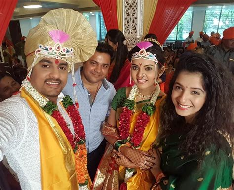 film actress marriage life sangram salvi khushboo tawde actors marriage wedding photos