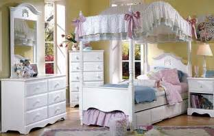 White Canopy Bedroom Sets White Canopy Bedroom Set Rainwear