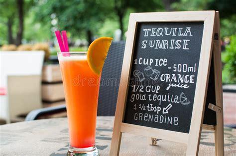 tequila testo iscrizione gesso di alba di tequila cocktail e ricetta