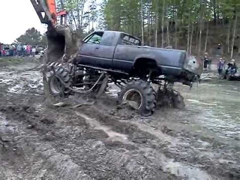 jeep mudding gone wrong mudding gone wrong trucks gone wild 2011 youtube