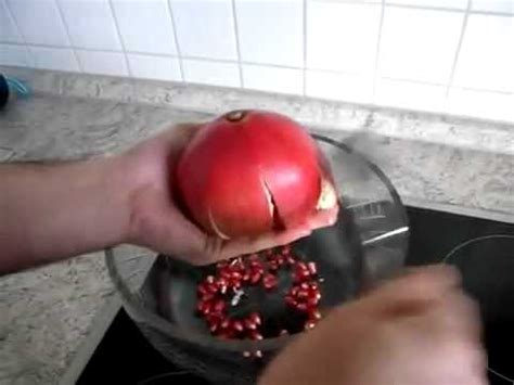 How To Cut Open A Pomegranate Pomegranate How To Cut Open A Pomegranate