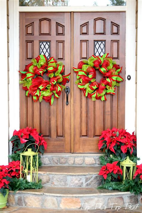 christmas decorating ideas 50 best christmas door decorations for 2017