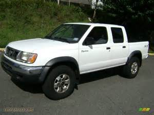 Nissan Frontier 2000 Crew Cab 2000 Nissan Frontier Xe Crew Cab 4x4 In Cloud White Photo