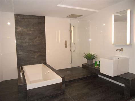 Badezimmer Nicht Komplett Fliesen by Badezimmer Fliesen Modern Badezimmer Tomis Media