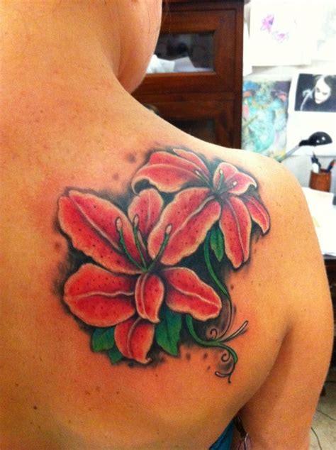 tatuaggio giglio fiore tatuaggi di fiori con la lettera g idee significato