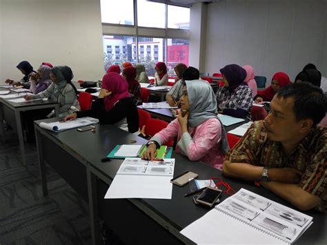 Akuntansi Keuangan Menengah Berbasis Psak pengabdian kepada masyarakat pelatihan penyusunan laporan keuangan umkm koperasi berbasis sak