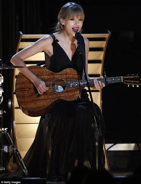 taylor swift country music live taylor swift leads winners with three cma awards but