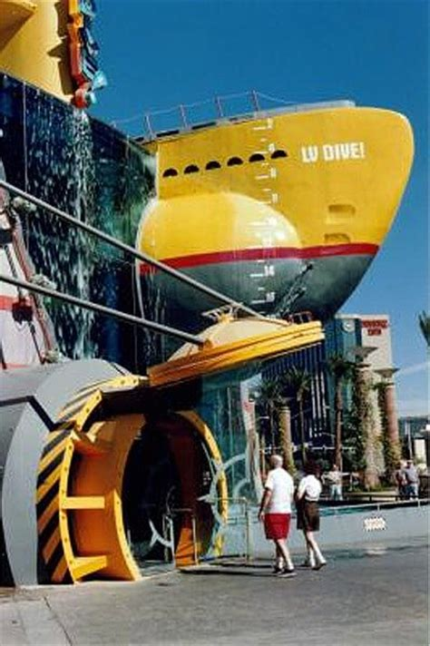 dive restaurant display conveyors bridgeveyor