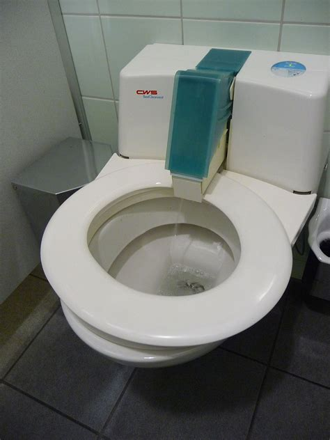automatic self clean toilet seat