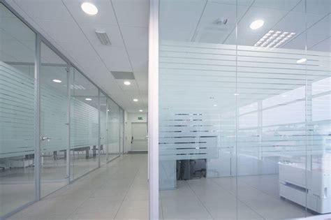 pareti vetro ufficio prezzi pareti divisorie in vetro l eleganza per i tuoi uffici