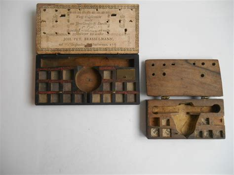 Two empty Goudmunt - weight boxes - since 1760 - Catawiki Empty Box Weight