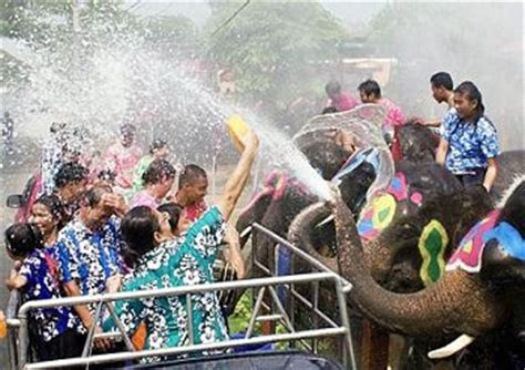 thailand new year song we are celebrate the thai new year songkran