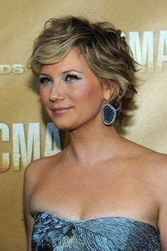 amy carlson haircut is it good for thick wavy hair more of amy carlson s hair hairstyles pinterest amy