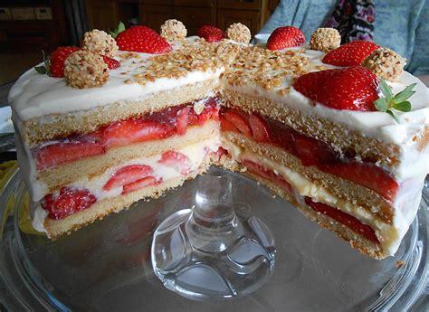 doppeldecker kuchen erdbeer torte vanille pudding rezepte chefkoch de