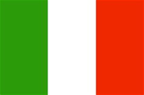 flags of the world red white green vertical 1000 images about flags around the world on pinterest
