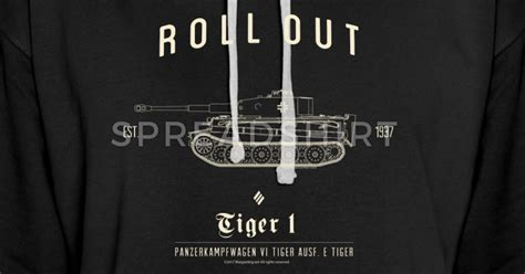 Hoodie World Of Tank Hitam world of tanks roll out tiger hoodie hoodie spreadshirt